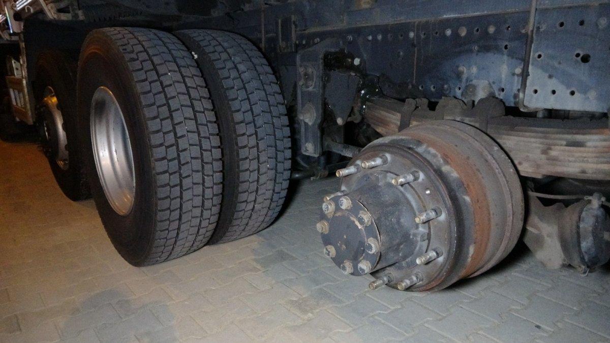 Antalya da kamyon tekerleri dehşet saçtı: Önce ölüm sonra kaza  #4