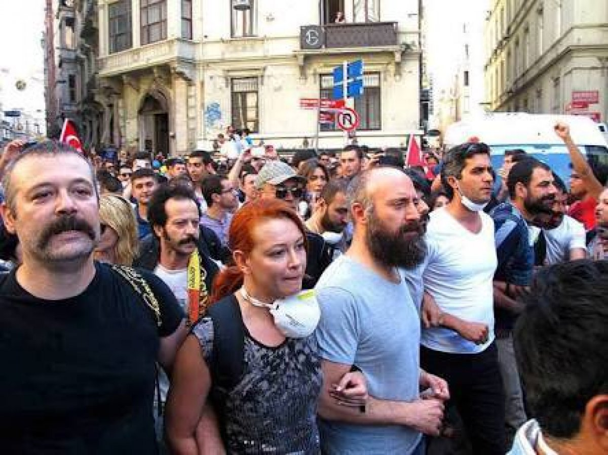 Levent Üzümcü İstanbul Şehir Tiyatroları na geri döndü #1
