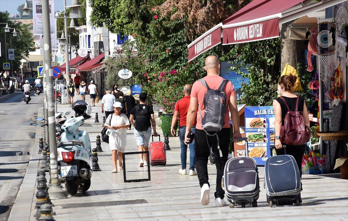 Türkiye, turizm gelirlerini 3 yılda 33 milyar dolara çıkartacak #2