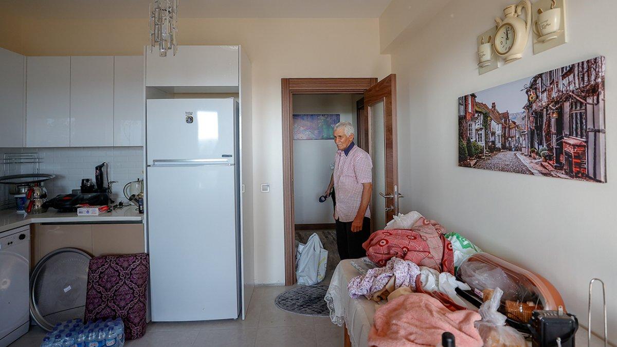 Antalya da yaşlı çifte, yanan evlerinin yerine 17 günde yenisi teslim edildi #4