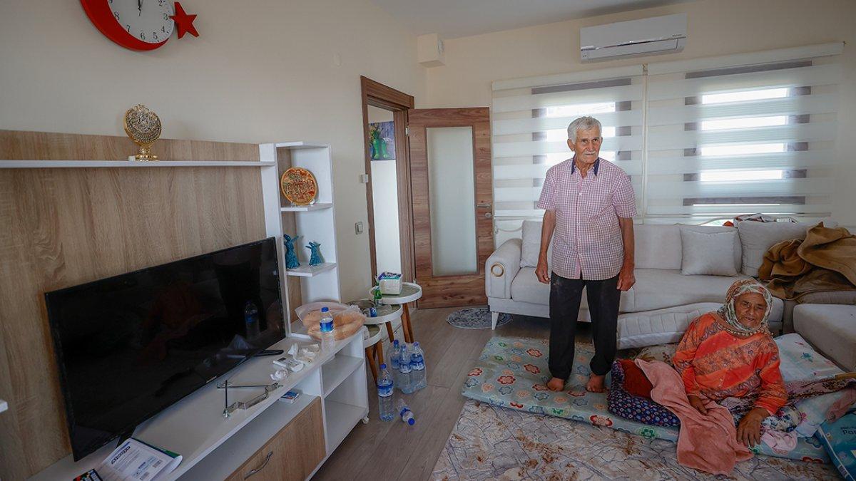 Antalya da yaşlı çifte, yanan evlerinin yerine 17 günde yenisi teslim edildi #2