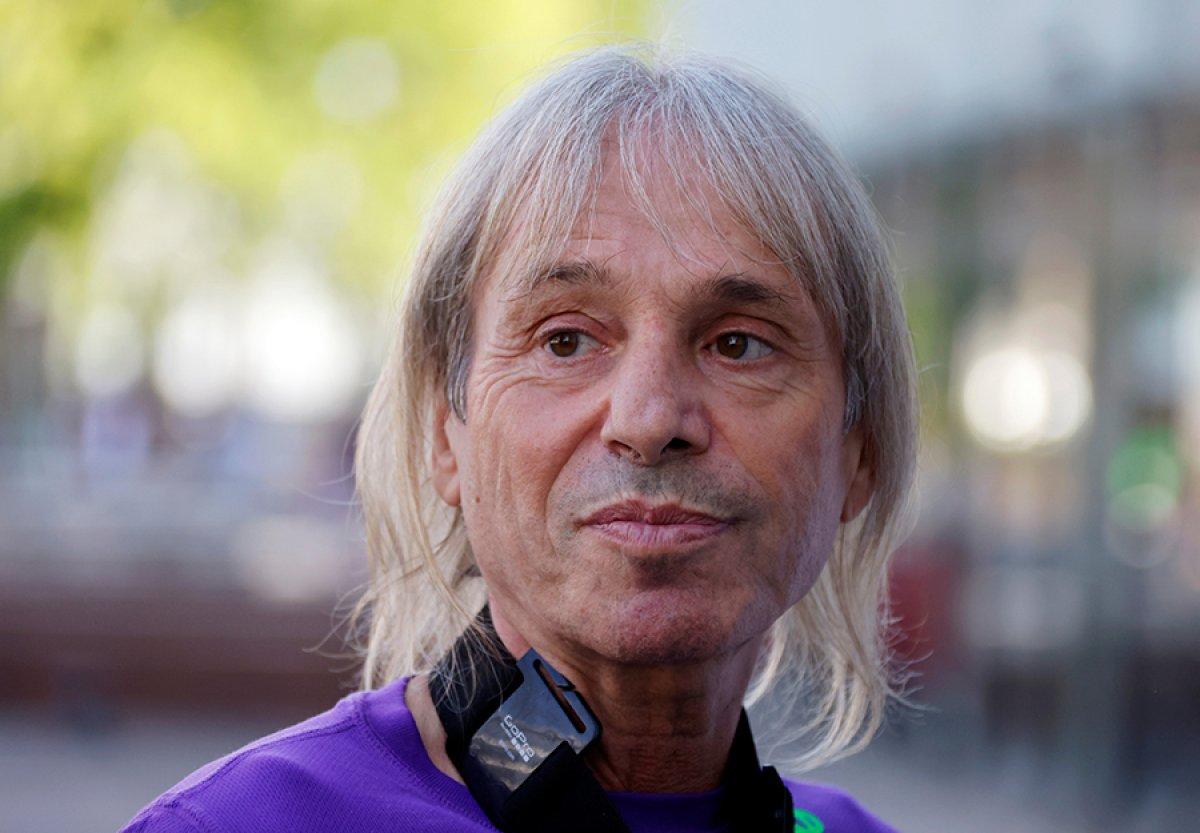 Alain Robert, Paris te gökdelene tırmandı #3