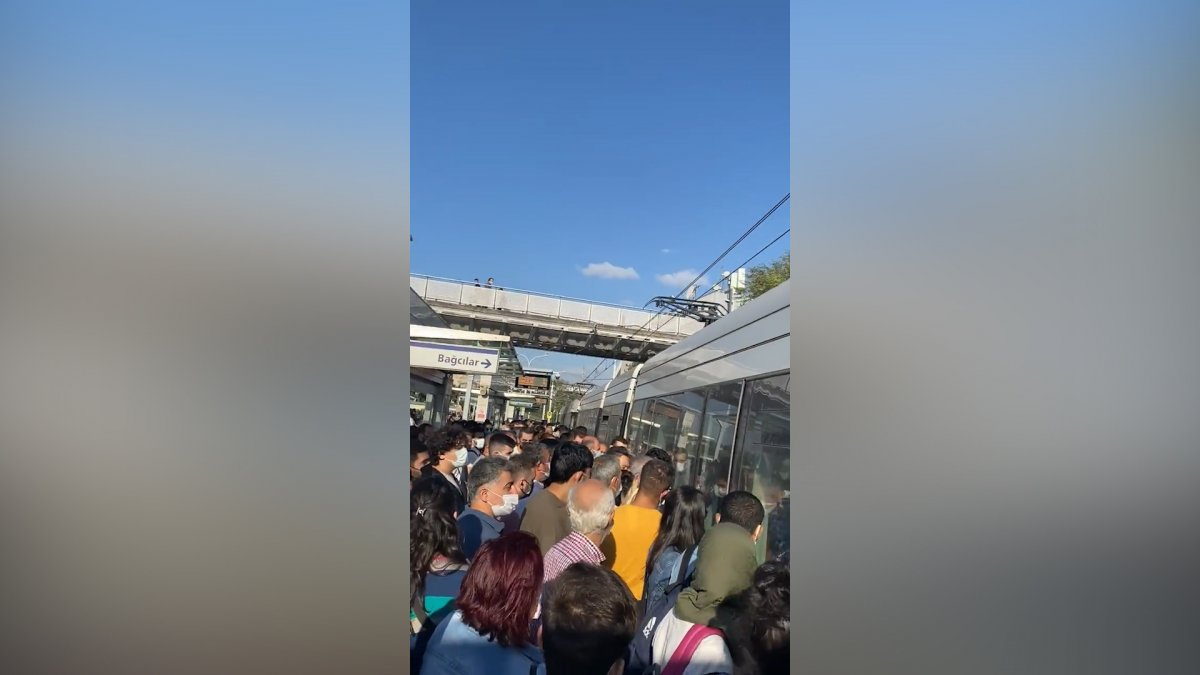 İstanbullu şimdi de tramvay arızasıyla karşılaştı #5