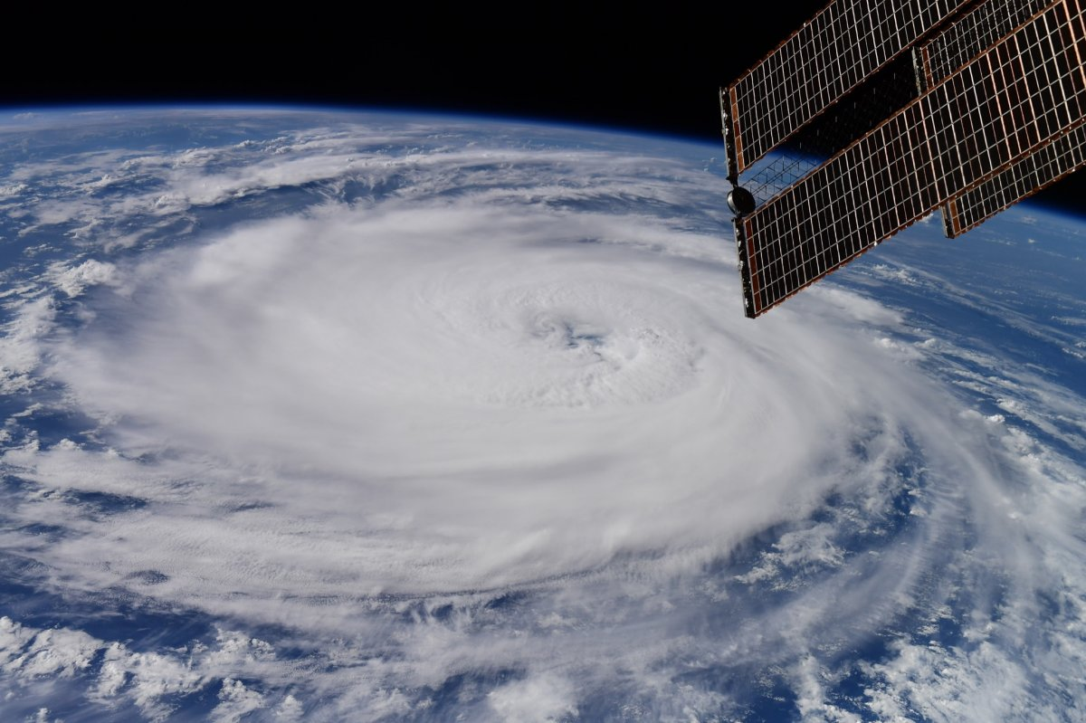 Dev Larry Kasırgası uzaydan görüntülendi #3