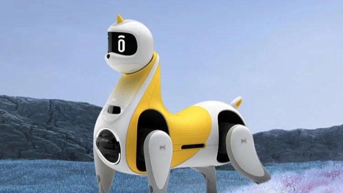 Dünyanın ilk binilebilir robot atı tanıtıldı