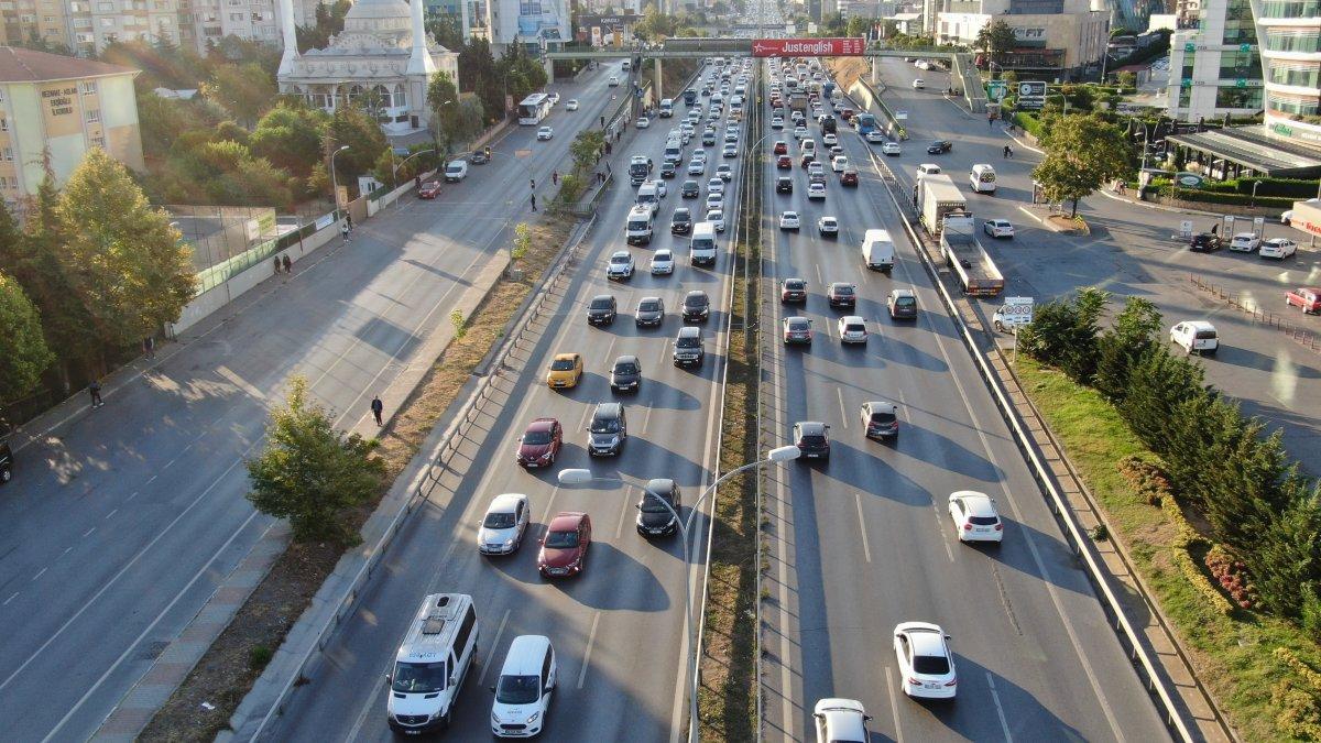 İstanbul'da trafik mesaisi başladı #3