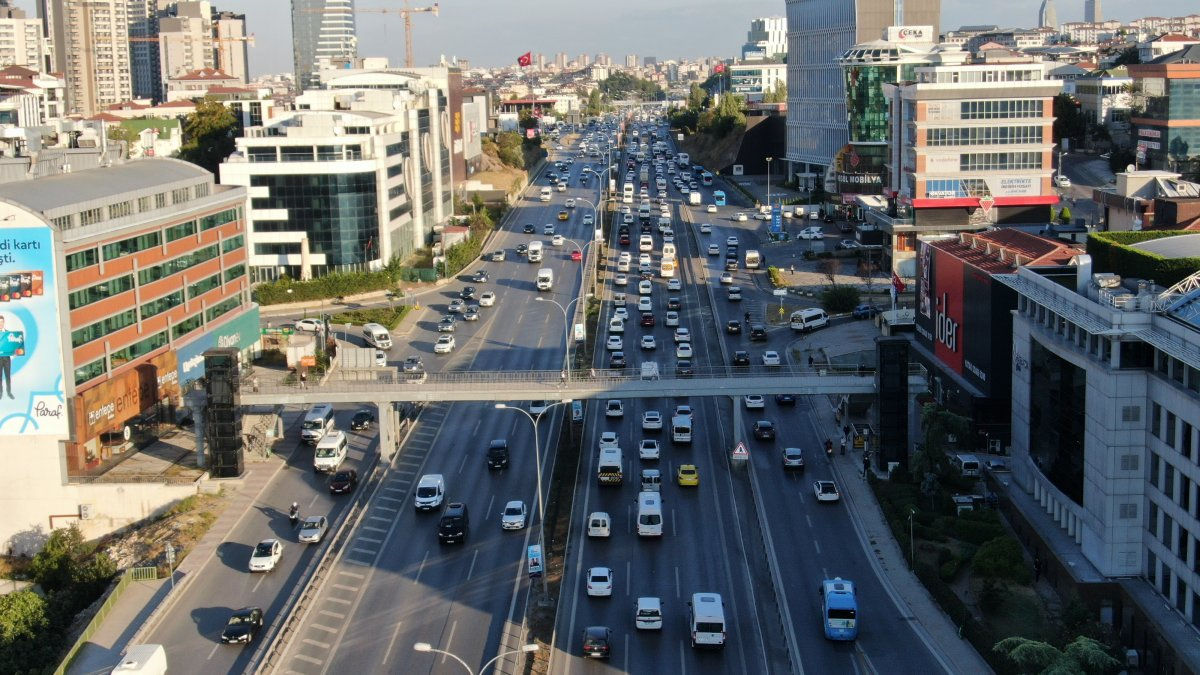 İstanbul'da trafik mesaisi başladı #2