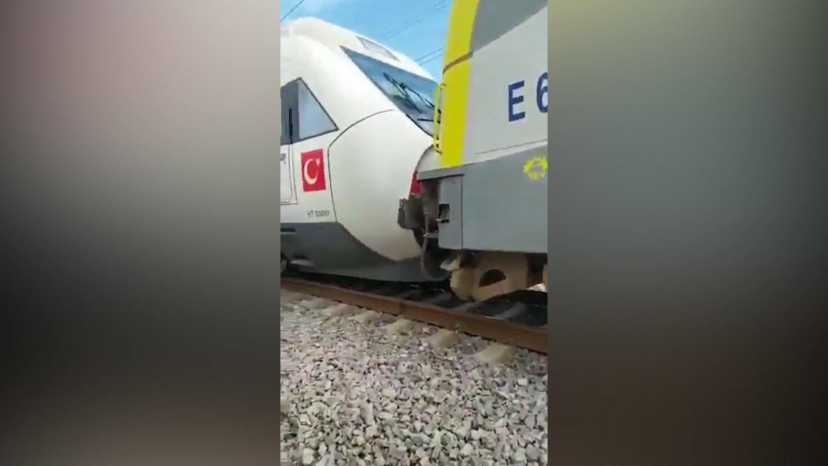 Tuzla da duramayan tren, istasyonda bekleyen trene arkadan çarptı #11