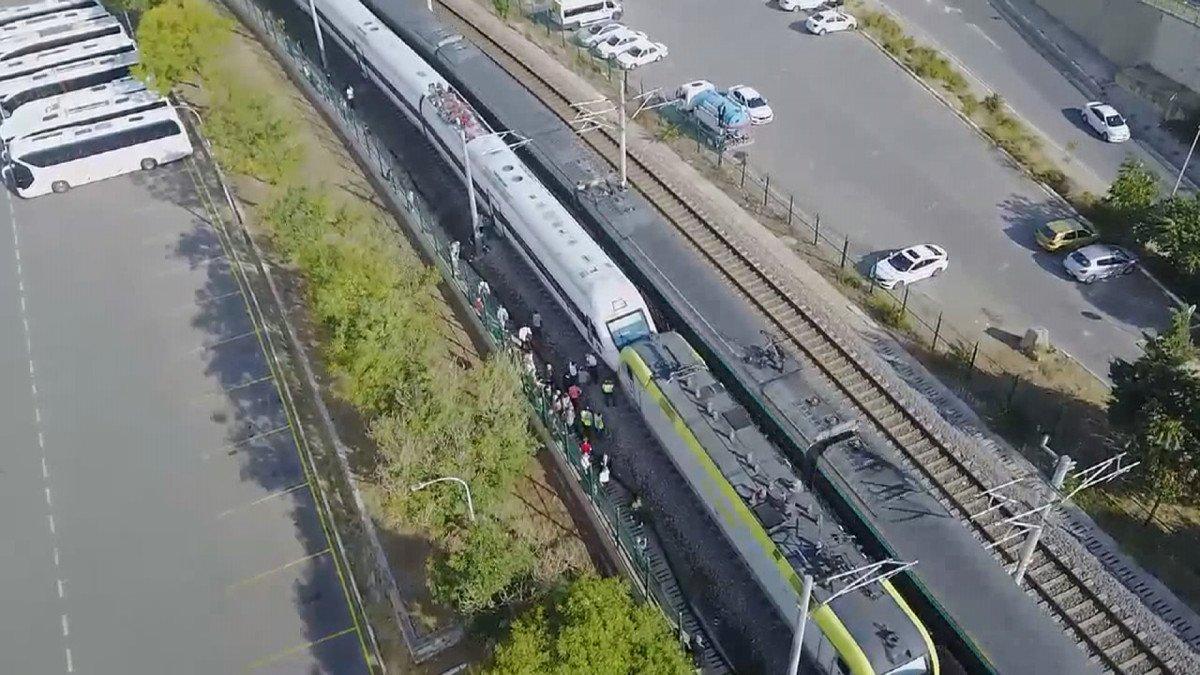 Tuzla da duramayan tren, istasyonda bekleyen trene arkadan çarptı #1