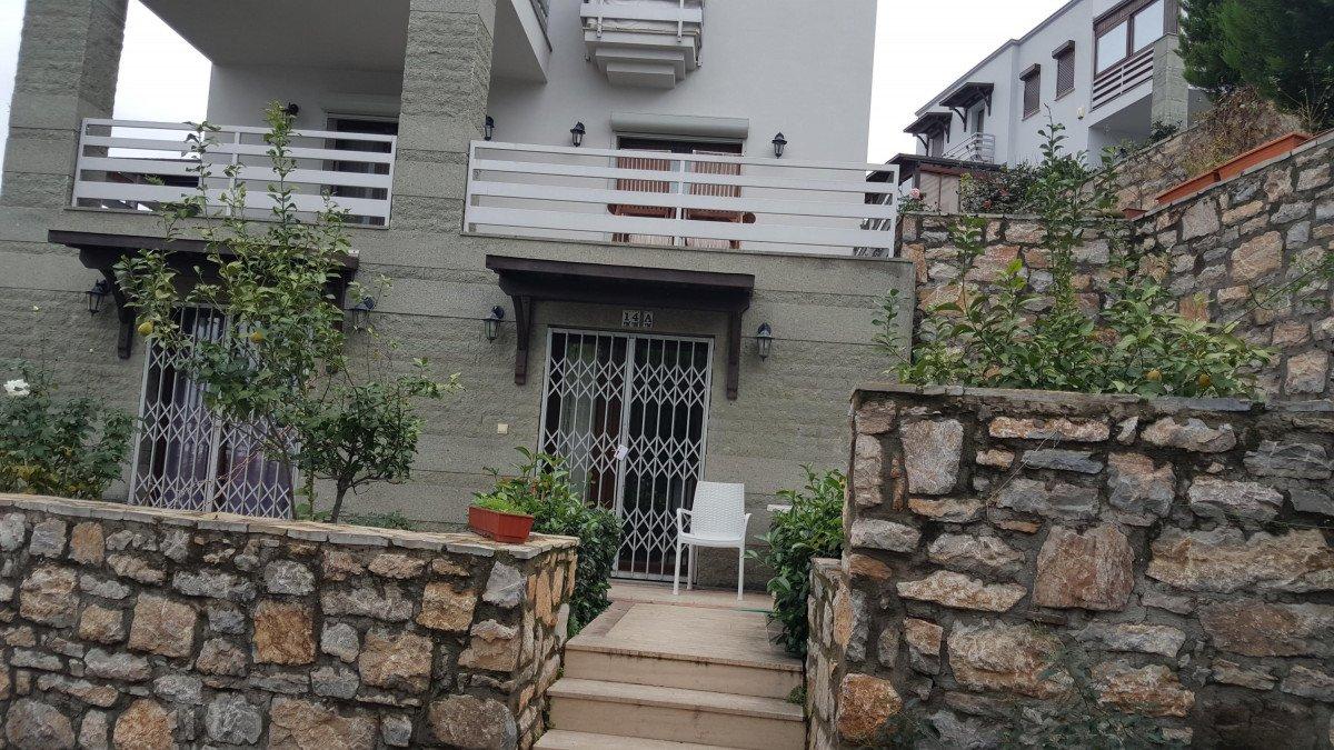 Bodrum daki evinde ölü bulunan modelin intihar ettiği kanaatine varıldı #1