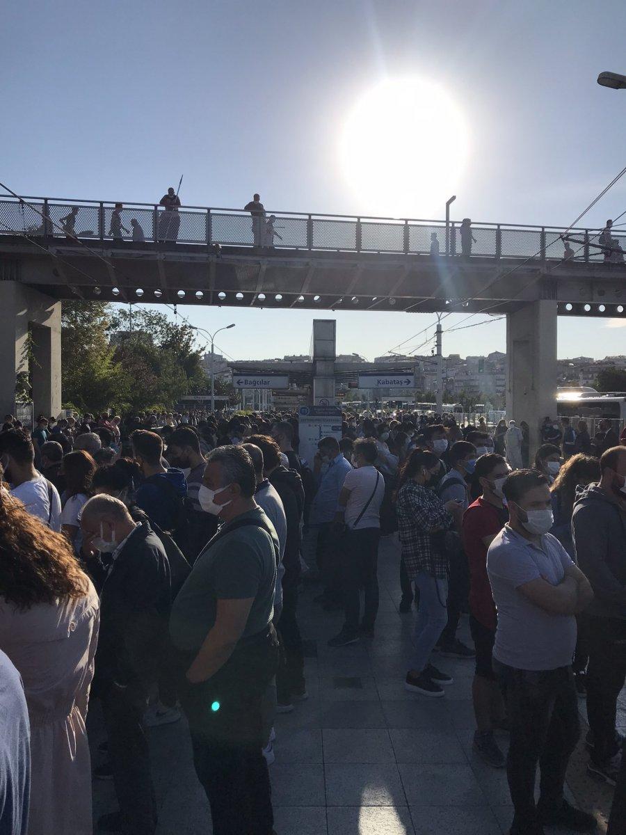 İstanbullu şimdi de tramvay arızasıyla karşılaştı #4
