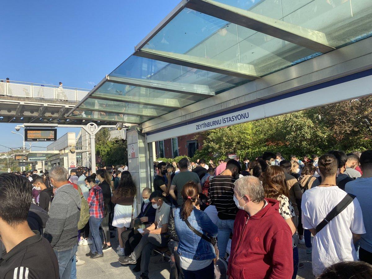 İstanbullu şimdi de tramvay arızasıyla karşılaştı #1