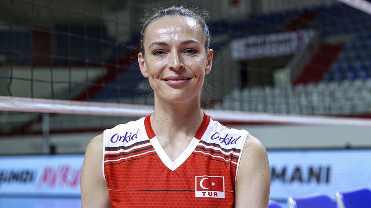 Eda Erdem, 2021 Avrupa Voleybol Şampiyonası nın rüya takımında yer aldı #1