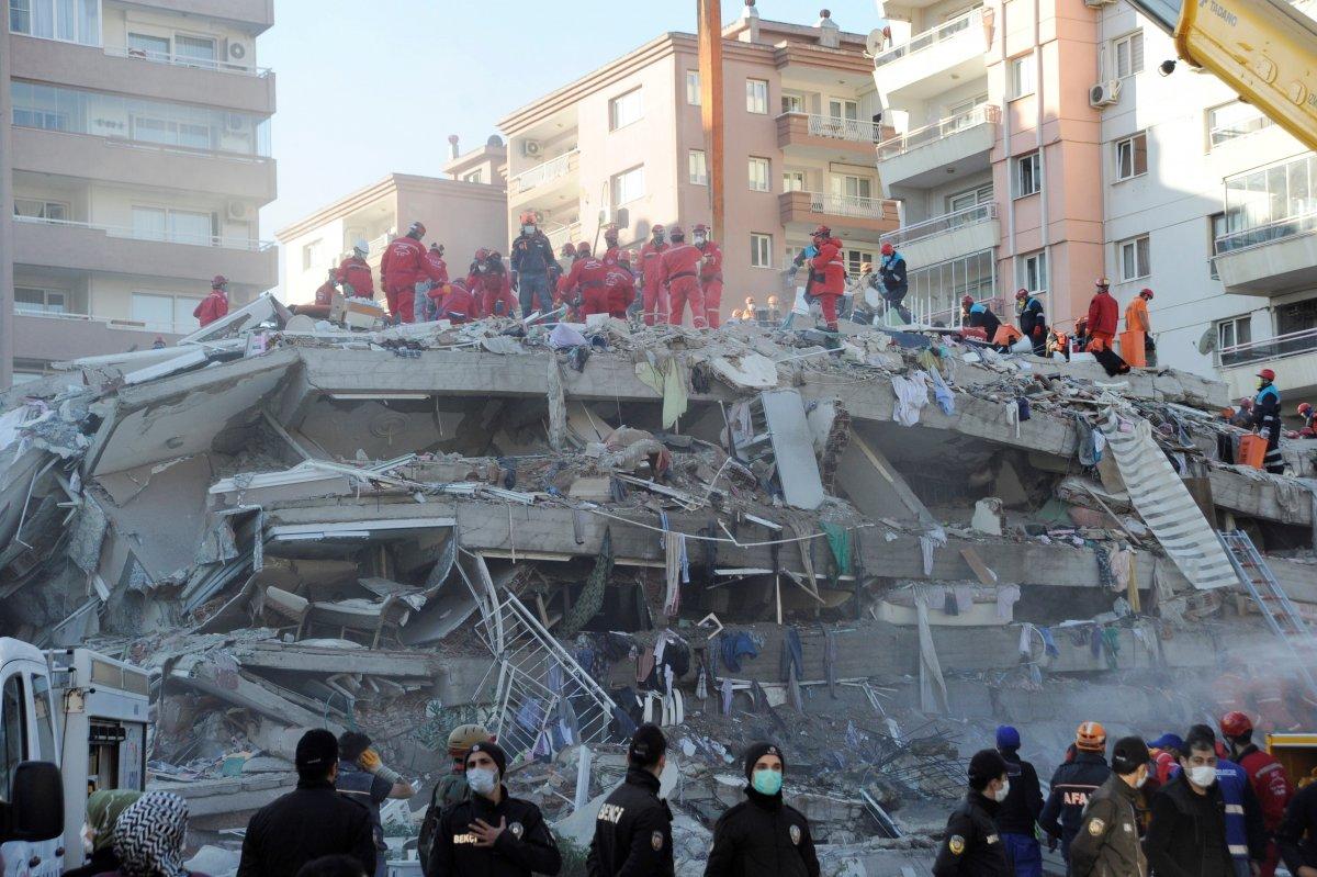 İzmir de yıkılan  Doğanlar Apartmanı  davası başladı #1