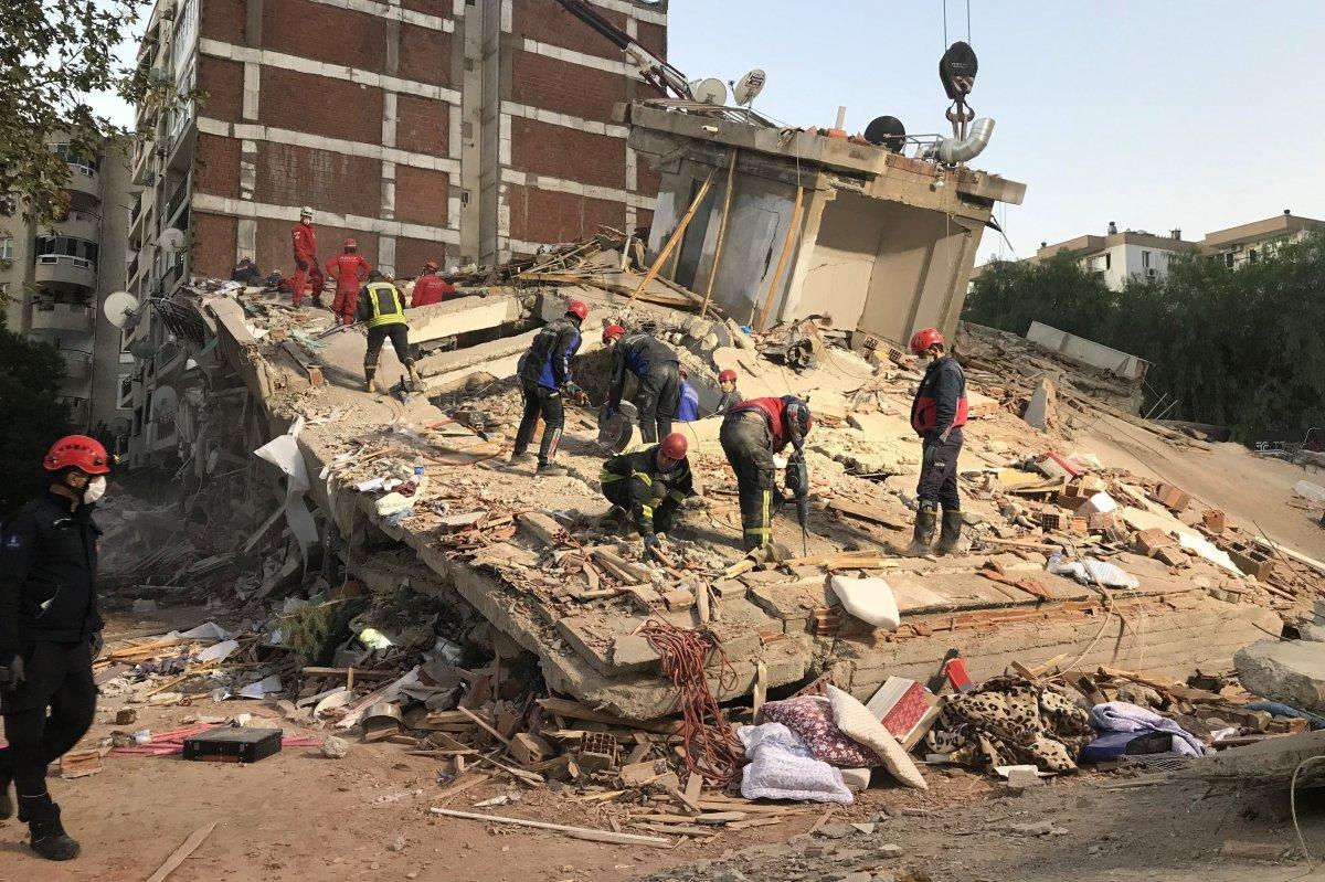 İzmir de yıkılan  Doğanlar Apartmanı  davası başladı #2