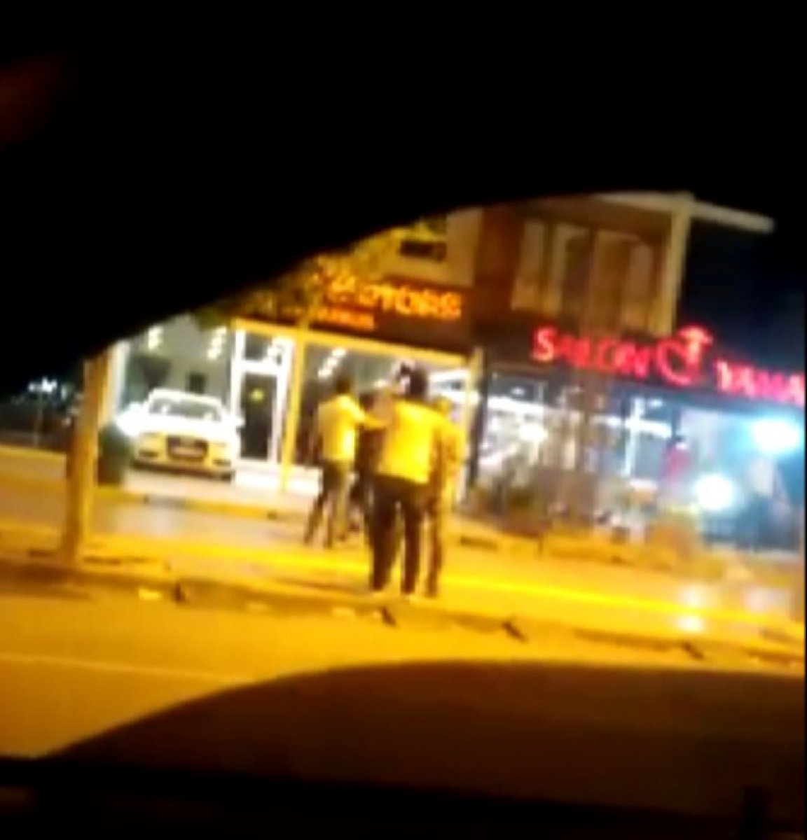 Diyarbakır'da bıçaklı kavga: 3 yaralı #1