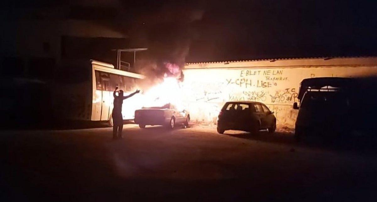 Denizli'de madde bağımlısı genç, otomobili ateşe verdi #3