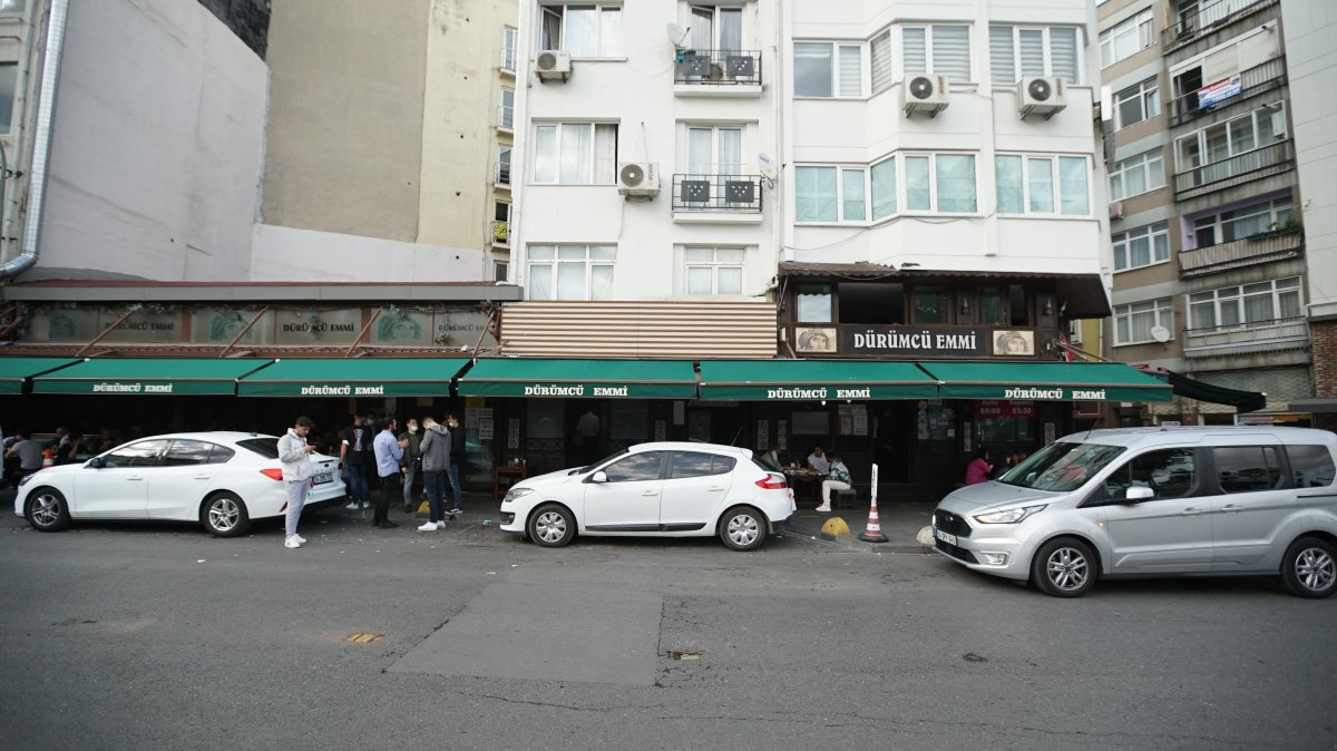 İstanbul da 8 bin 400 lira maaş veren kebapçı, garson bulamıyor #5