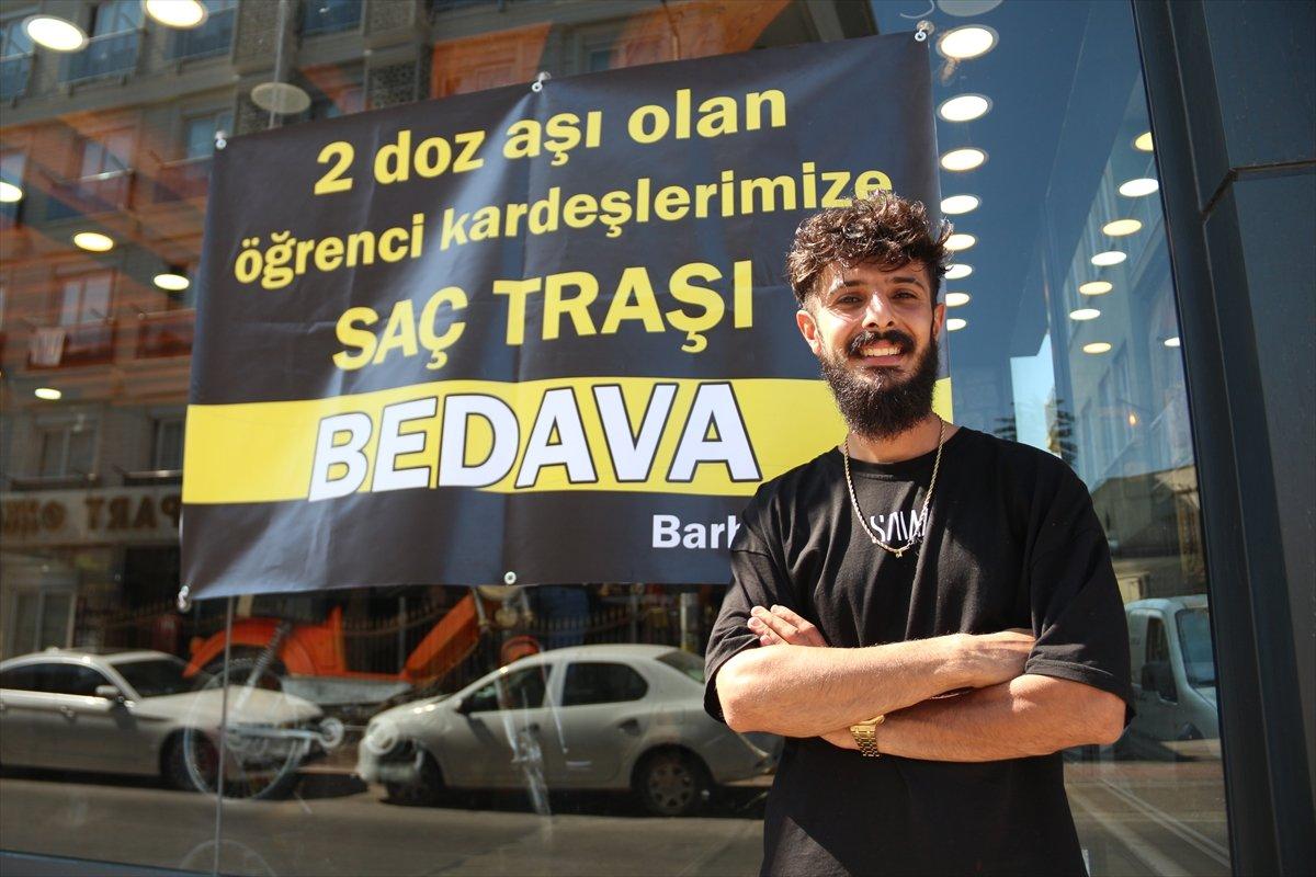 Antalyalı kuaförün aşı kampanyası #3