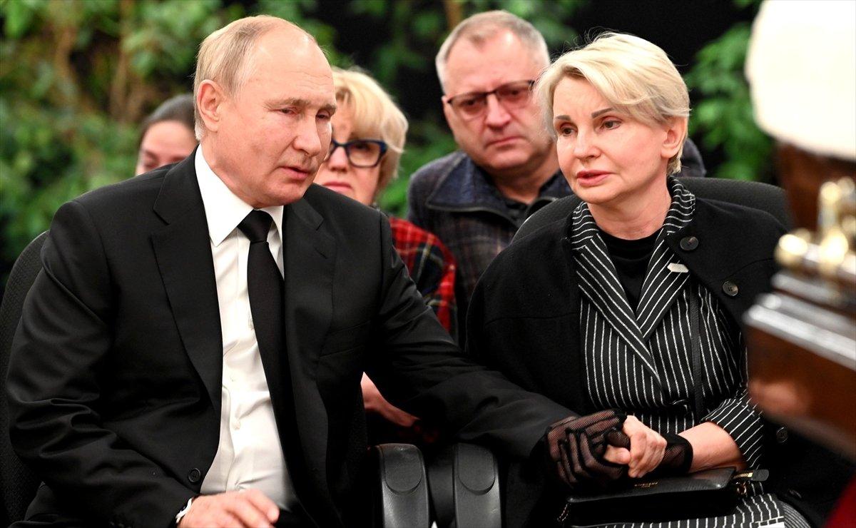 Vladimir Putin, hayatını kaybeden bakanın ardından gözyaşı döktü #1