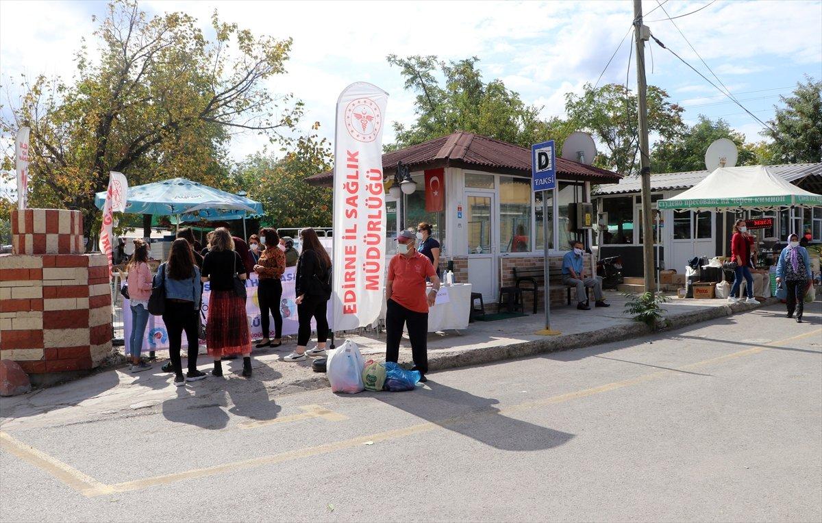 Edirne'de, Ulus Pazarı girişinde aşı noktası kuruldu #3