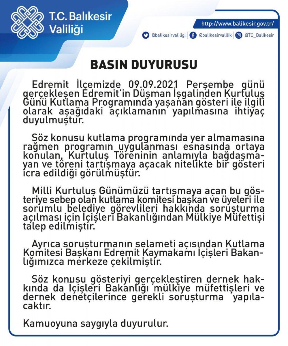 CHP li Edremit Belediyesi nin töreninde Türk kadını çarşaf giydirilip zincire vuruldu #2