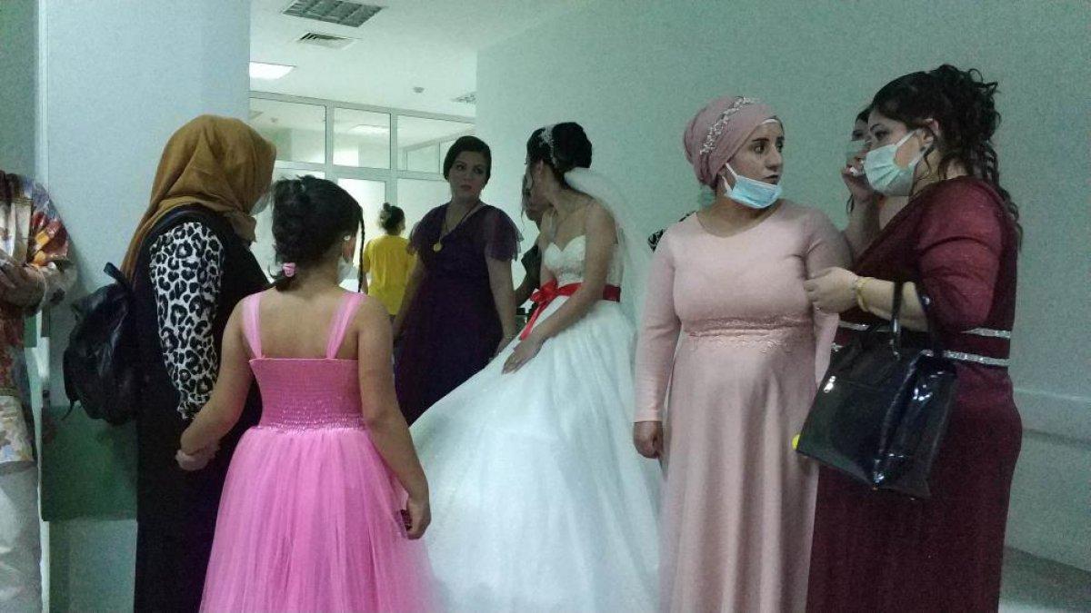 Samsun da evlenen genç kadın, düğün günü annesini kaybetti  #6