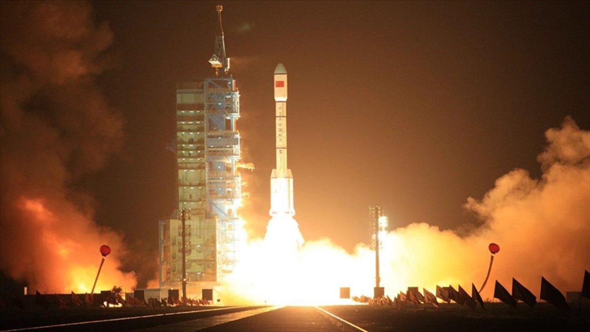 Çin, yeni iletişim uydusunu uzaya fırlattı