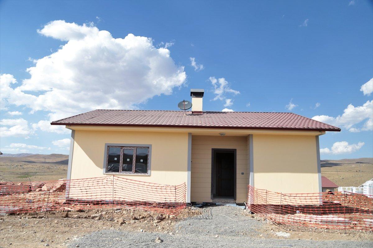 Erzurum'da, depremzedelere 350 konutun teslimi bu yıl yapılacak  #2