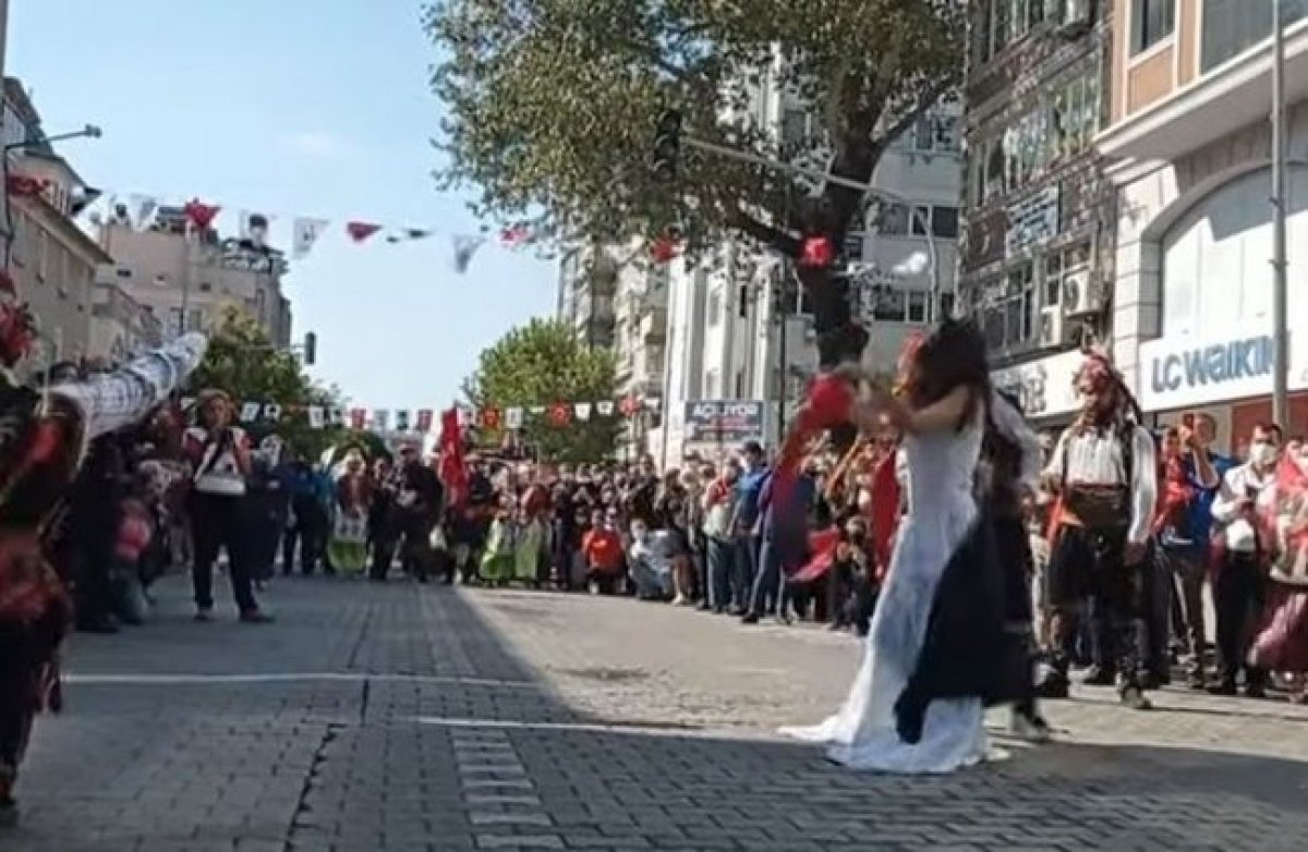CHP li Edremit Belediyesi nden zincirli kadın gösterisine ilişkin açıklama #4