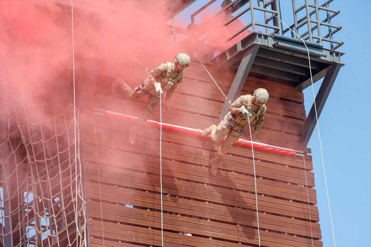 Foça da jandarmalar, terörle mücadele eğitimini tamamladı #2