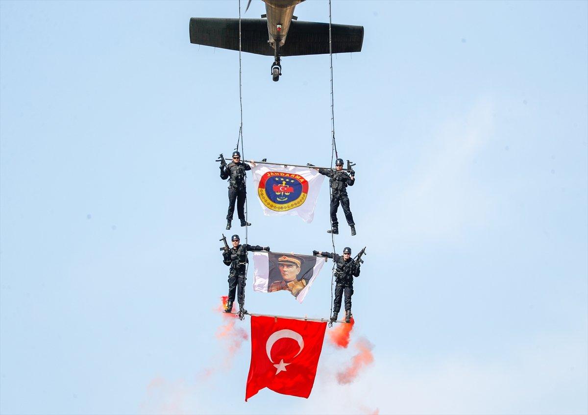 Foça da jandarmalar, terörle mücadele eğitimini tamamladı #11