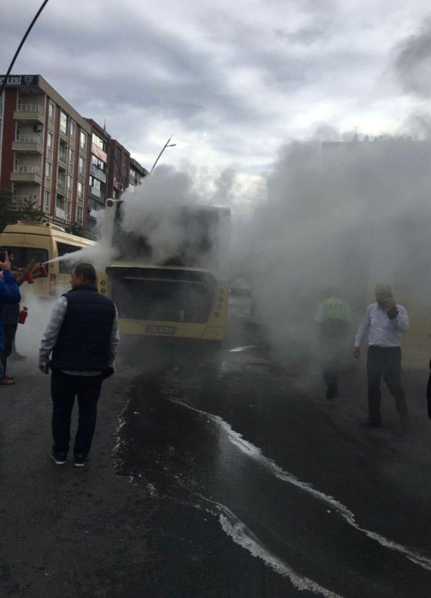 Gaziosmanpaşa da İETT otobüsü yolda kaldı #3