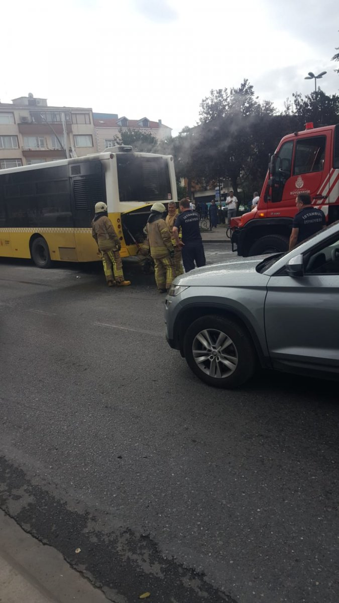 Gaziosmanpaşa da İETT otobüsü yolda kaldı #1