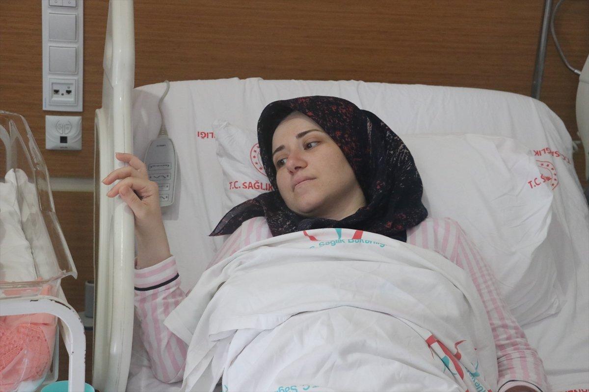 Hatay da aşı yaptırmayan hamile kadın, koronayken doğum yaptı #3