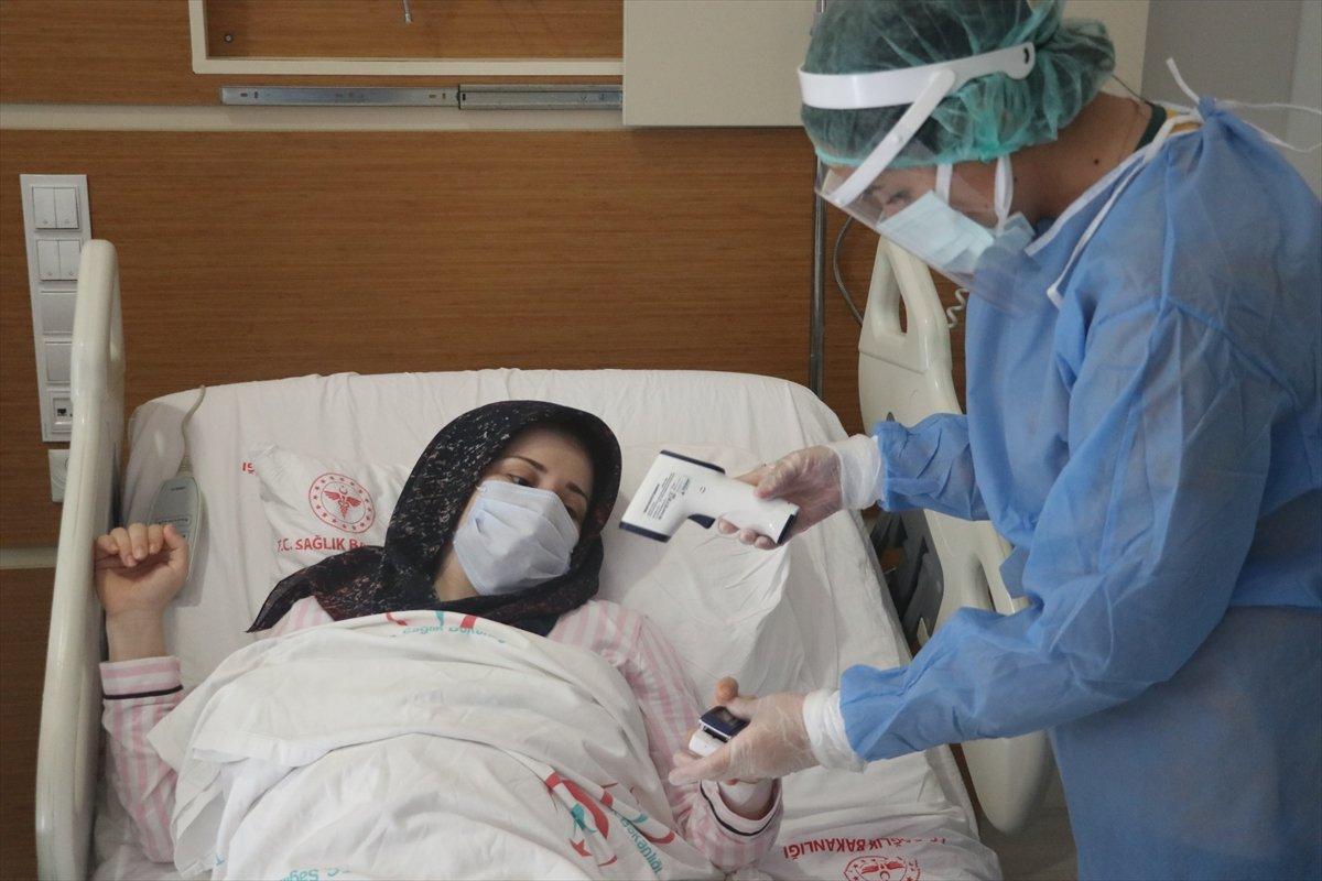 Hatay da aşı yaptırmayan hamile kadın, koronayken doğum yaptı #5