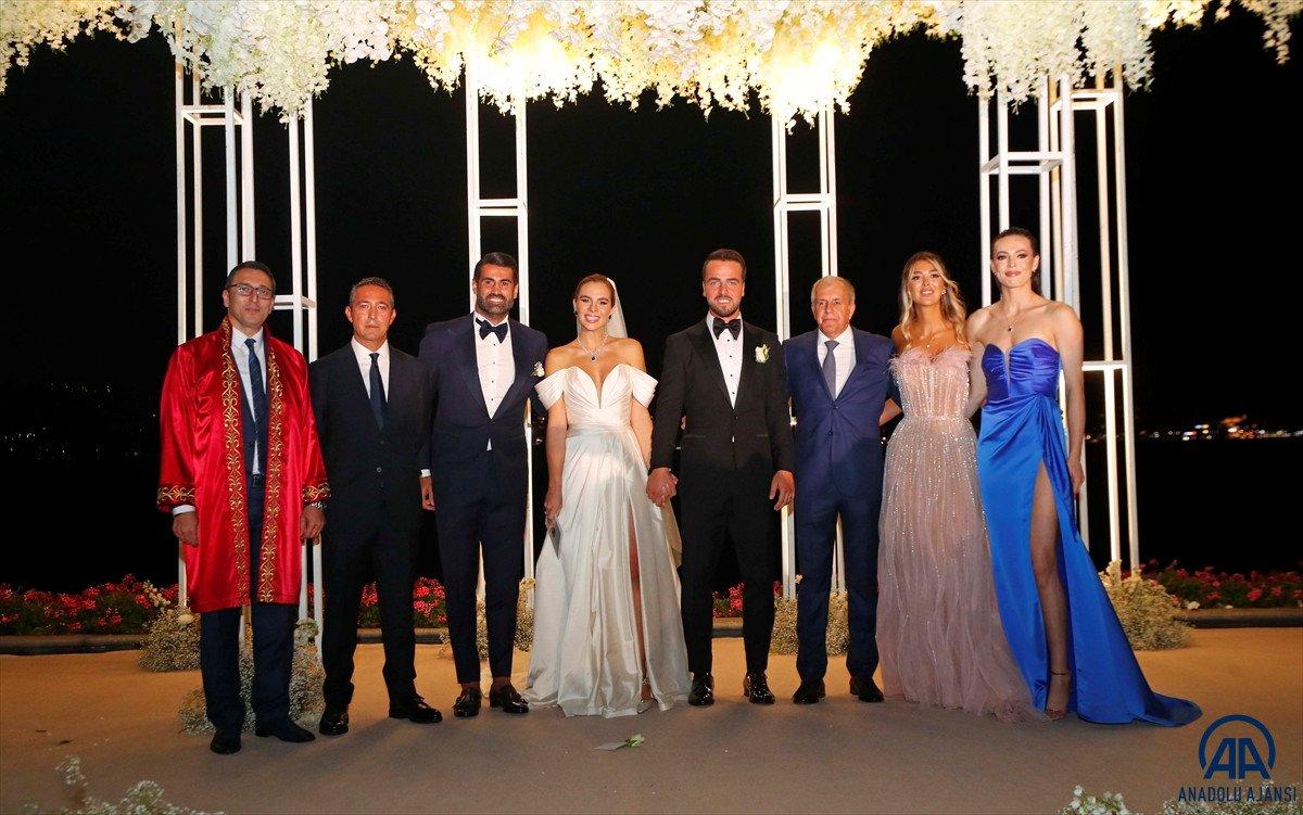 Fenerbahçeli Melih Mahmutoğlu, Damla Çakıroğlu ile evlendi #1