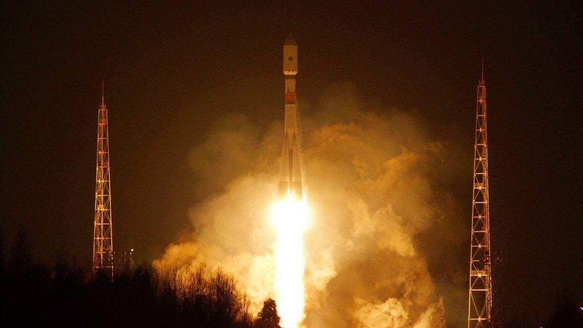 Rus ordusuna iletişim sağlayacak uydu fırlatıldı