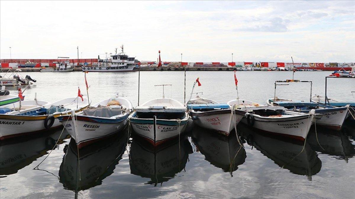 Tekirdağ daki balıkçıların zorunlu  poyraz  arası bugün bitiyor #2