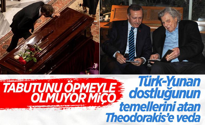 Türk dostu Yunan sanatçı Theodorakis, son yolculuğuna uğurlandı