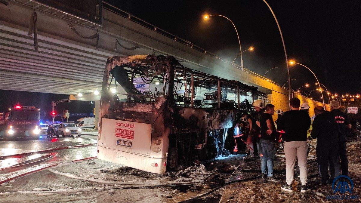 Ankara da yolcu otobüse alevlere teslim oldu: 1 ölü, 20 yaralı #1