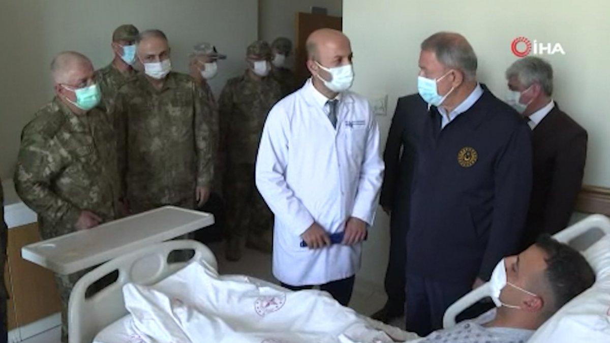 Hulusi Akar'dan yaralı askerlere ziyaret #3