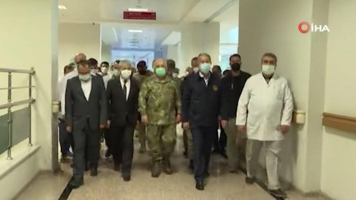 Hulusi Akar'dan yaralı askerlere ziyaret #1
