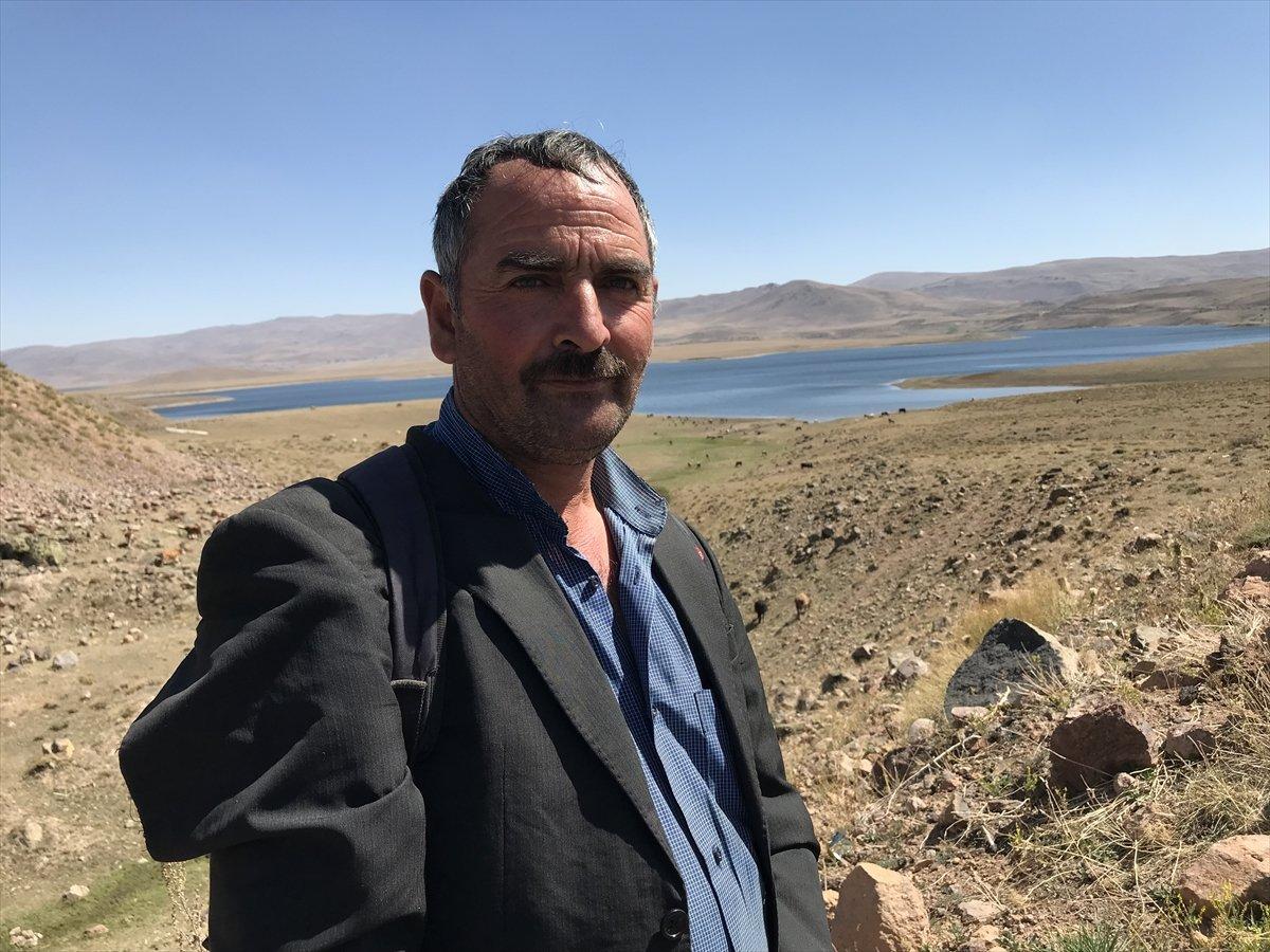 Erzurum da baraj sularının çekilmesiyle mezarlık ortaya çıktı #6