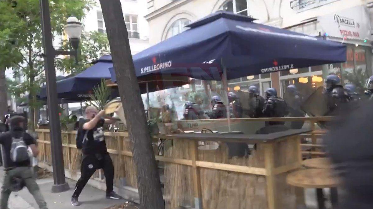 Fransa da koronavirüs protestosunda göstericiler polisle çatıştı #1