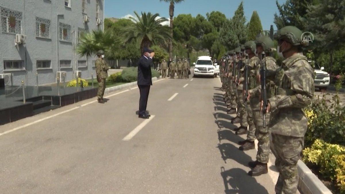 Hulusi Akar ve komutanlar Suriye sınırında #2