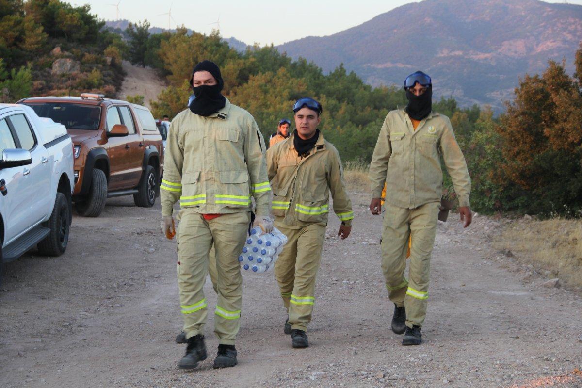 İzmir de ormanlık alanda çıkan yangın kontrol altında #7