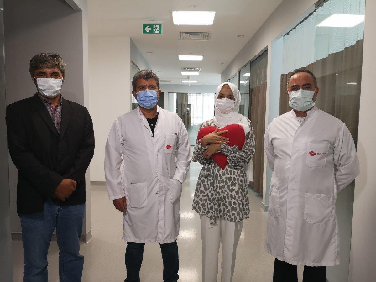 İstanbul'da kalp hastası kadın, koronavirüs testi pozitifken ameliyat edildi #1