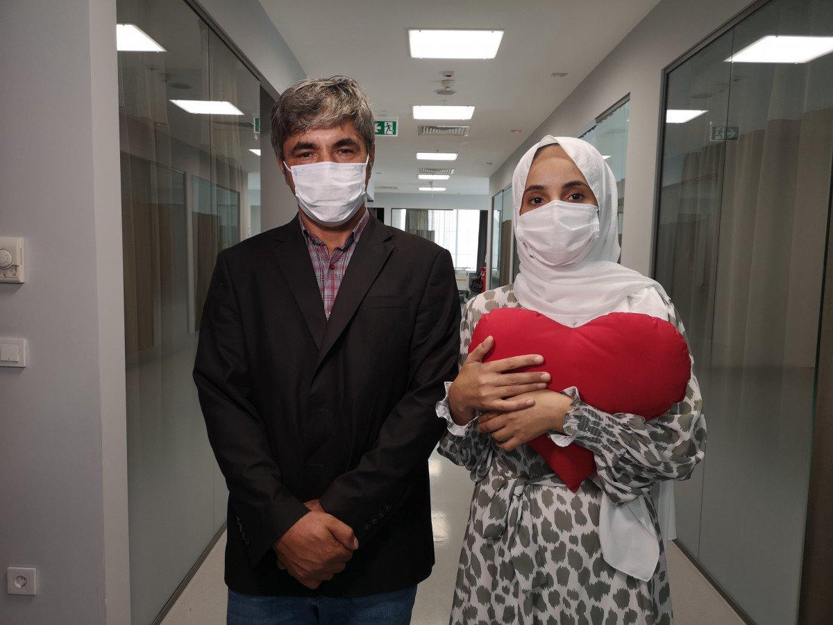 İstanbul'da kalp hastası kadın, koronavirüs testi pozitifken ameliyat edildi #3