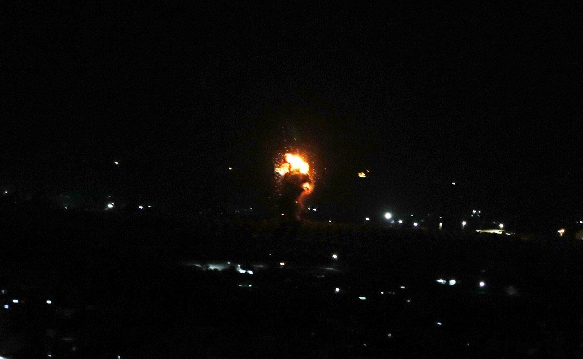 İsrail, Gazze'ye hava saldırısı düzenledi #1